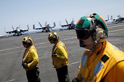 США направили авианосец поближе к Сирии