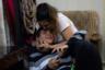 Раз в год Ромина обязательно навещает семью. Для нее очень важно сохранить теплые отношения и не утратить родственную связь.