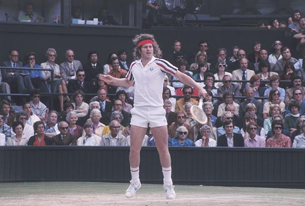 В эпическом пятисетовом финале Уимблдона 1980 года Джон Макинрой проиграл Боргу, но дизайнера Серджио Таччини это не особо волновало, ведь фотографии с расстроенным Макинроем в форме от Sergio Tacchini обошли газеты всего мира.