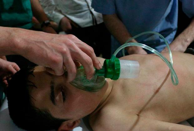 В больницах города Дума помогают пострадавшим в предполагаемой химической атаке