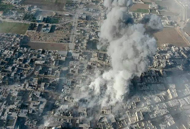 Авиаудары по городу Дума 7 апреля