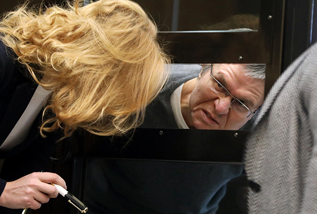 Улюкаев общается с адвокатом