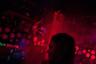 У Ромины редко бывает свободное время, но иногда ей удается сходить в ночной клуб или бар. На родине девушки вечеринки проходят только подпольно.