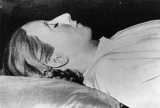 Забальзамированное тело Эвы Перон