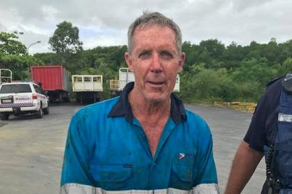 Австралиец застрял на ветке в кишащем крокодилами лесу