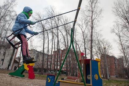 Водитель протаранил детскую площадку и сбил четверых дошкольников на Кубани
