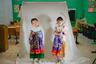 Девочки в традиционных костюмах.
