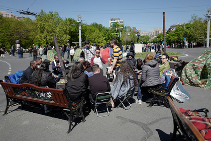В Армении объявили «бархатную революцию»