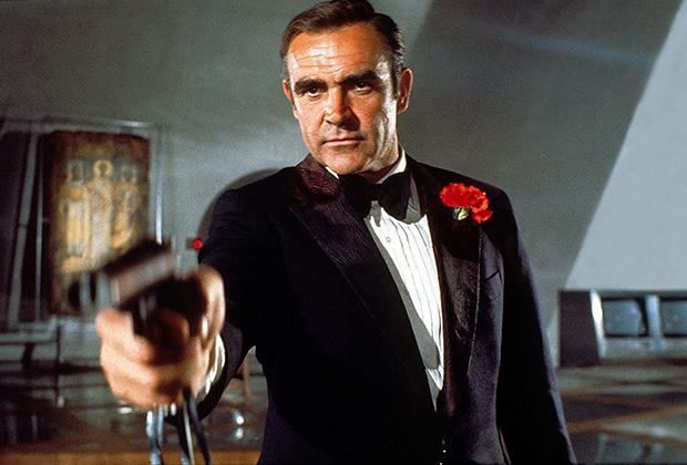 Образ сумасшедшего миллионера, ведущего образ жизни затворника, вдохновил сценаристов очередного фильма о Джеймсе Бонде «Бриллианты навсегда». Одним из его героев был живущий в отеле в Лас-Вегасе гениальный бизнесмен Уиллард Уайт.