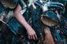 Территории народности постоянно подвергаются угрозе со стороны нефтедобытчиков. Фотограф опасается, что освоение этих земель может поставить под угрозу и существование сарайяку.