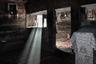 «Ничья земля» — так фотограф Сесар Пастор называет Румынию. Спустя почти 30 лет после падения коммунистического режима численность населения страны упала до 19,7 миллиона человек. Трудоспособное население уезжает на заработки в другие страны, молодежь покидает деревни, в суровых сельских районах остаются выживать только старики. Выживать — потому что правительство страны в развитии деревни не заинтересовано, говорит фотограф.