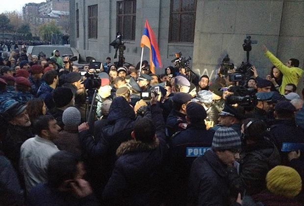 2015 год. Митинг против конституционной реформы в центре Еревана