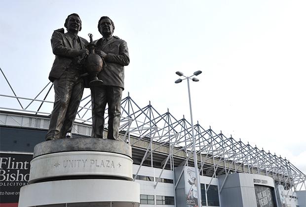 Статуя Брайана Клафа и Питера Тэйлора