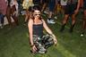 "Стилистика Коачеллы вдохновлена ранними фестивалями<a href=""https://lenta.ru/photo/2017/09/04/burn/"" target=""_blank""> Burning Man</a>."