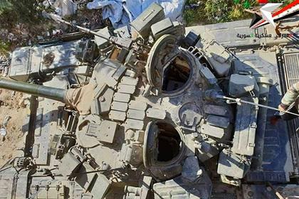 Редчайший «командирский» Т-90 заметили в Сирии