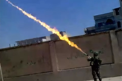 Боевиков в Сирии попытались сокрушить «огненными мечами»