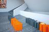 Компания Slide, работающая с пластиком, пригласила к сотрудничеству японского дизайнера Казуко Окамото, который сделал для нее смешные модули WOW, которые можно использовать как табуреты, тумбы или кофейные столики. И, конечно, складывать из них слова.