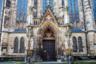 За свою более чем 800-летнюю историю здание церкви Святого Николая претерпело множество перестроек, поэтому сейчас в его облике можно увидеть черты готики, Ренессанса и классицизма.