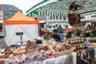 Город Лейпциг считается «отцом всех выставок» с тех пор, как  в 1165 году получил право свободной торговли, а в 1497 году— статус императорского города ярмарок. Помимо специализированных выставок на центральной площади несколько раз в неделю проводится самая обычная фермерская продуктовая ярмарка.