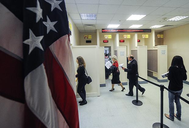 Работа консульского отдела посольства США в Москве