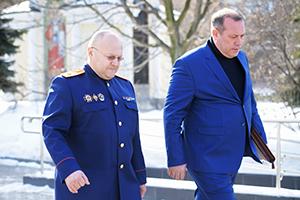 Александр Дрыманов (слева)