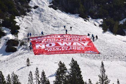 Отчаявшиеся французы защитятся от мигрантов пластиковым забором в Альпах