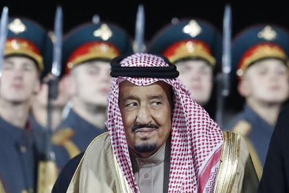 Саудовского короля спрятали в бункер из-за игрушечного самолетика