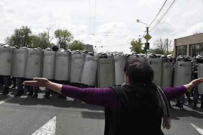 Бунт против Саргсяна закрыл границу Армении сГрузией