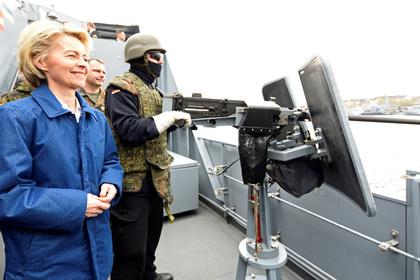 Министр обороны Германии заявила о важности позиции силы в диалоге с Россией