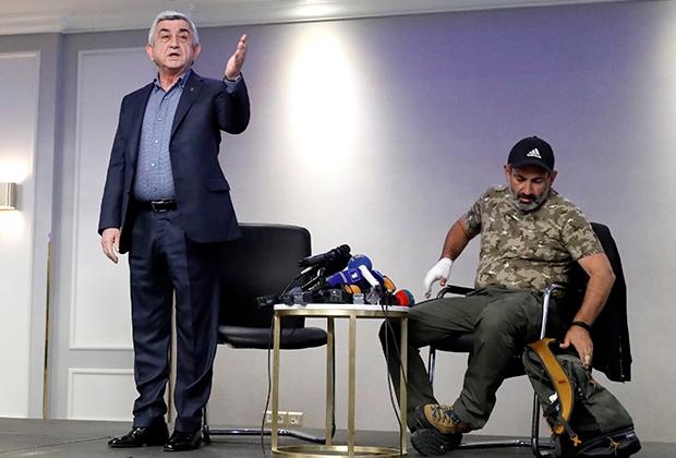 Знаменитые трехминутные переговоры Сержа Саргсяна (слева) и Никола Пашиняна