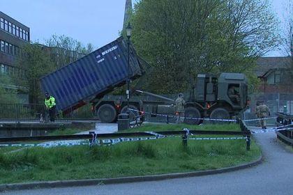 Британские военные начали очищать связанные со Скрипалями места