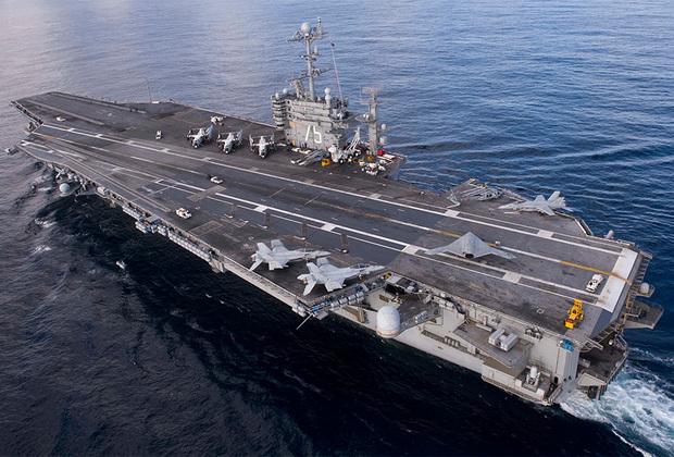 Американский Harry S. Truman — восьмой корабль типа Nimitz. Спущен на воду в 1996-м, введен в эксплуатацию — в 1998-м. Как и Abraham Lincoln, активно использовался США на Ближнем Востоке.
