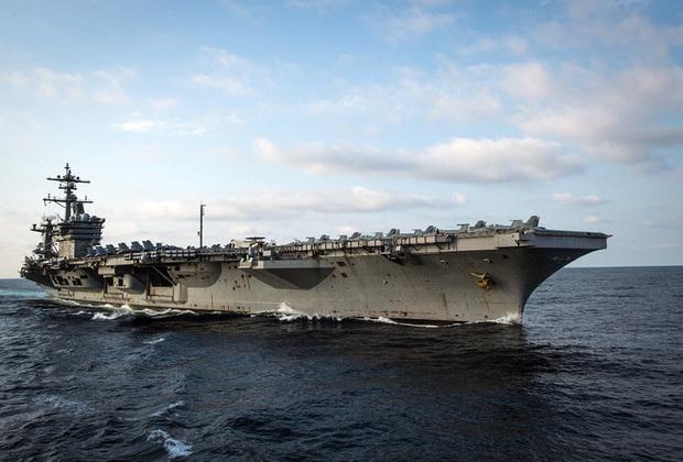 Американский Carl Vinson — третий корабль типа Nimitz. Спущен на воду в 1980-м, введен в эксплуатацию в 1982-м. В 2011-м принимал участие в погребении в водах Аравийского моря тела Усамы бен Ладена.