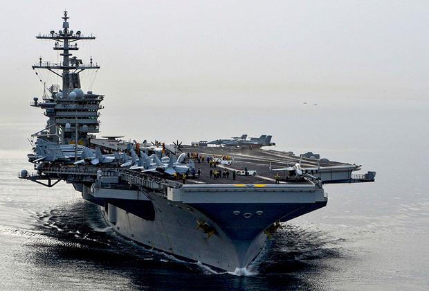 Theodore Roosevelt стал четвертым американским кораблем типа Nimitz. Спущен на воду в 1985-м, введен в эксплуатацию в 1986-м. По сравнению с предыдущими тремя кораблями подвергся существенной модернизации.