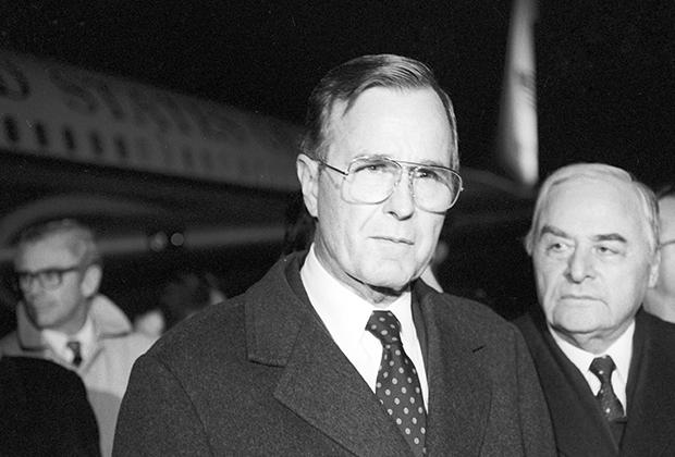 Вице-президент США Джордж Буш прибыл в Москву для участия в похоронах Леонида Брежнева