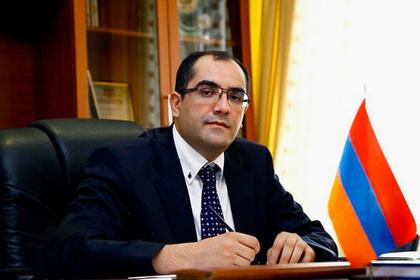 Армянский министр подал в отставку и присоединился к протестующим
