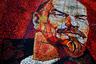 На редкость симпатичного Ильича можно увидеть в сочинском парке «Ривьера». Здесь он и в самом деле относительно молодой и, не побоимся этого слова, горячий. Хотя, возможно, все дело в плитках алого цвета. Мозаику собрали в 1980 году к 110 годовщине со дня рождения вождя. С тех пор прошли десятки лет, Ленин вышел из моды, но ни жителей, ни гостей Сочи панно не смущает — сделано на совесть.