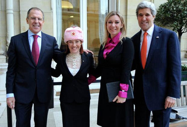 Слева направо: Сергей Лавров, Дженнифер Псаки, Мария Захарова и Джон Керри. Январь 2014 года