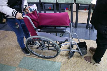 Инвалида лишили возможности примерить одежду в британском магазине