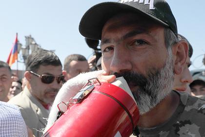 Лидера армянской оппозиции выдвинули на пост премьер-министра страны