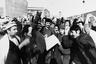 Дауду не удалось провести в стране необходимые реформы, и он правил, опираясь на силу. По его приказу в 1978 году был убит один из лидеров НДПА Мир Акбар Хайбар. Церемония похорон Хайбара переросла в манифестацию социалистов, люди слушали выступления вождей НДПА — Нур Мухаммада Тараки, Хафизуллы Амина и Бабрака Кармаля. Дауд приказал арестовать лидеров НДПА, но все происходило слишком медленно: Тараки задержали только через неделю, Кармаль уехал в СССР, а Амина взяли под домашний арест.