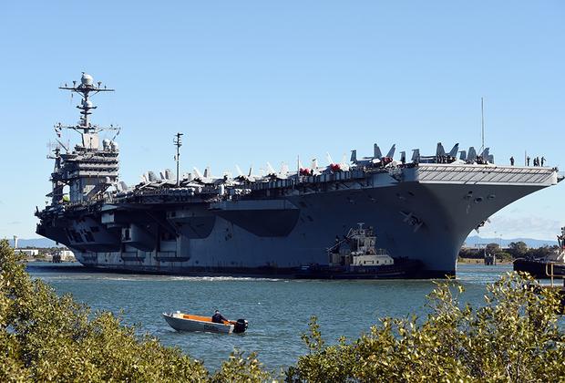 Американский George Washington стал шестым кораблем типа Nimitz. Спущен на воду в 1990-м, введен в эксплуатацию в 1992-м. Участвовал в походах в Средиземное море, а также плавал близ берегов Японии и в водах Южно-Китайского моря.