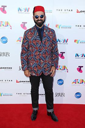 Музыкант Джозеф Тавадрос в феске на церемонии вручения премии ARIA (2015)