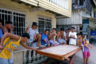 Филиппинцы очень азартны и любят все виды игр: нарды, карты, бильярд, разнообразные местные развлечения. Маленькие шумные компании увлеченных игроков встречаются на каждом шагу.