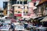 Больше чем на одну ночь в столице останавливаться не стоит — это типичный шумный и небогатый азиатский город.