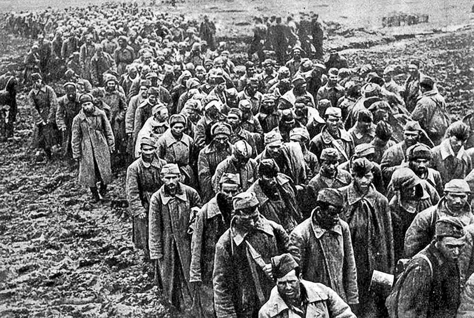 Безвозвратные потери Красной армии в боях под Вязьмой в первой половине октября 1941 года («Вяземская катастрофа», «Вяземский котел») составили свыше 380 тысяч человек