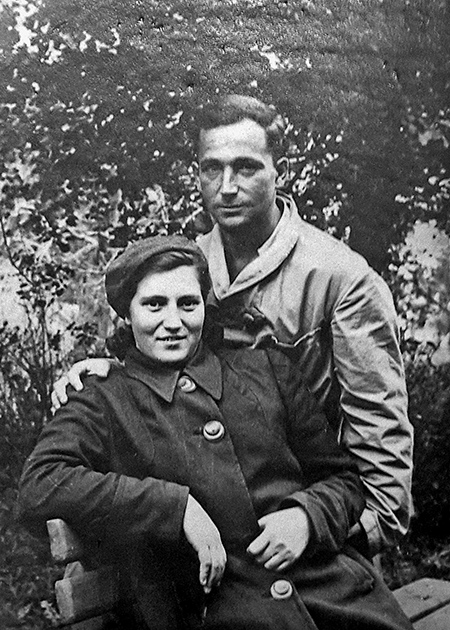 Печерский в госпитале с будущей женой Ольгой Котовой. 1944 год