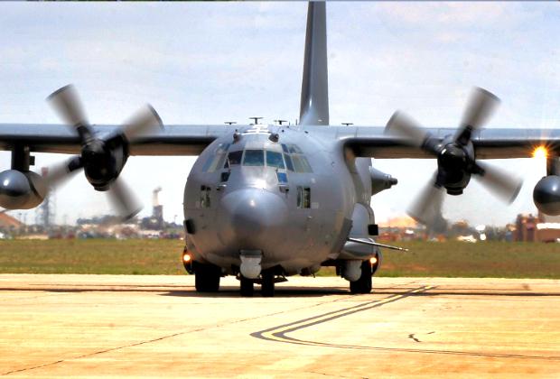 Lockheed AC-130 — летающая батарея поддержки подразделений сухопутных войск на поле боя