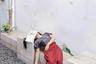 В апреле Instagram предложил своим участникам фотографировать скуку. Конкурс начали со снимка Анграха Димаса Сусетио из Индонезии про девушку, которая прикорнула на скамейке в сурабайском кафе и закрыла лицо, чтобы не тревожили.