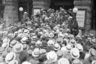 1933 год. Газета The Washington Post была продана на аукционе за 825 000 долларов Джорджу Э. Гамильтону, местному адвокату, представляющему неназванного покупателя.